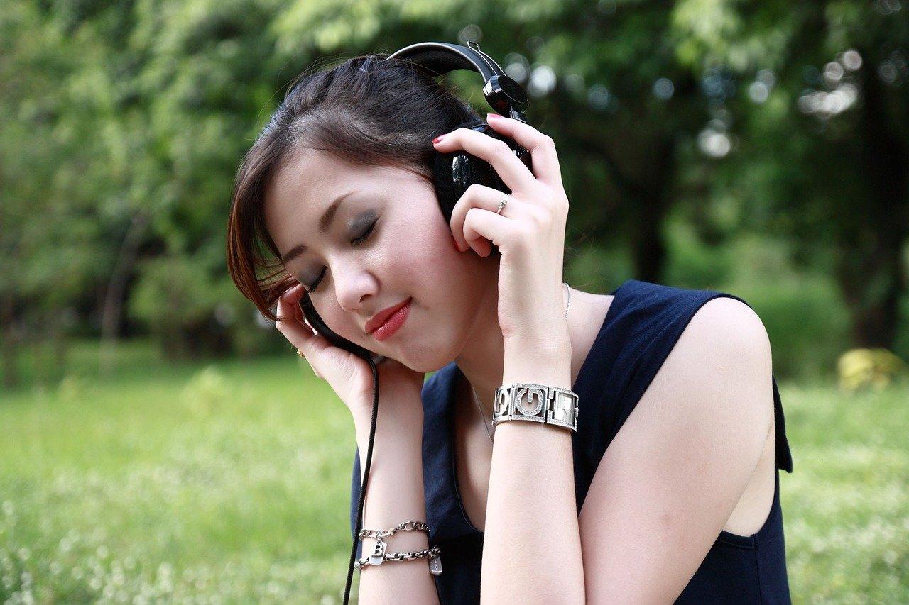 おすすめのスマホ向け音楽プレーヤーアプリ11選 無料アプリも紹介のサムネイル画像