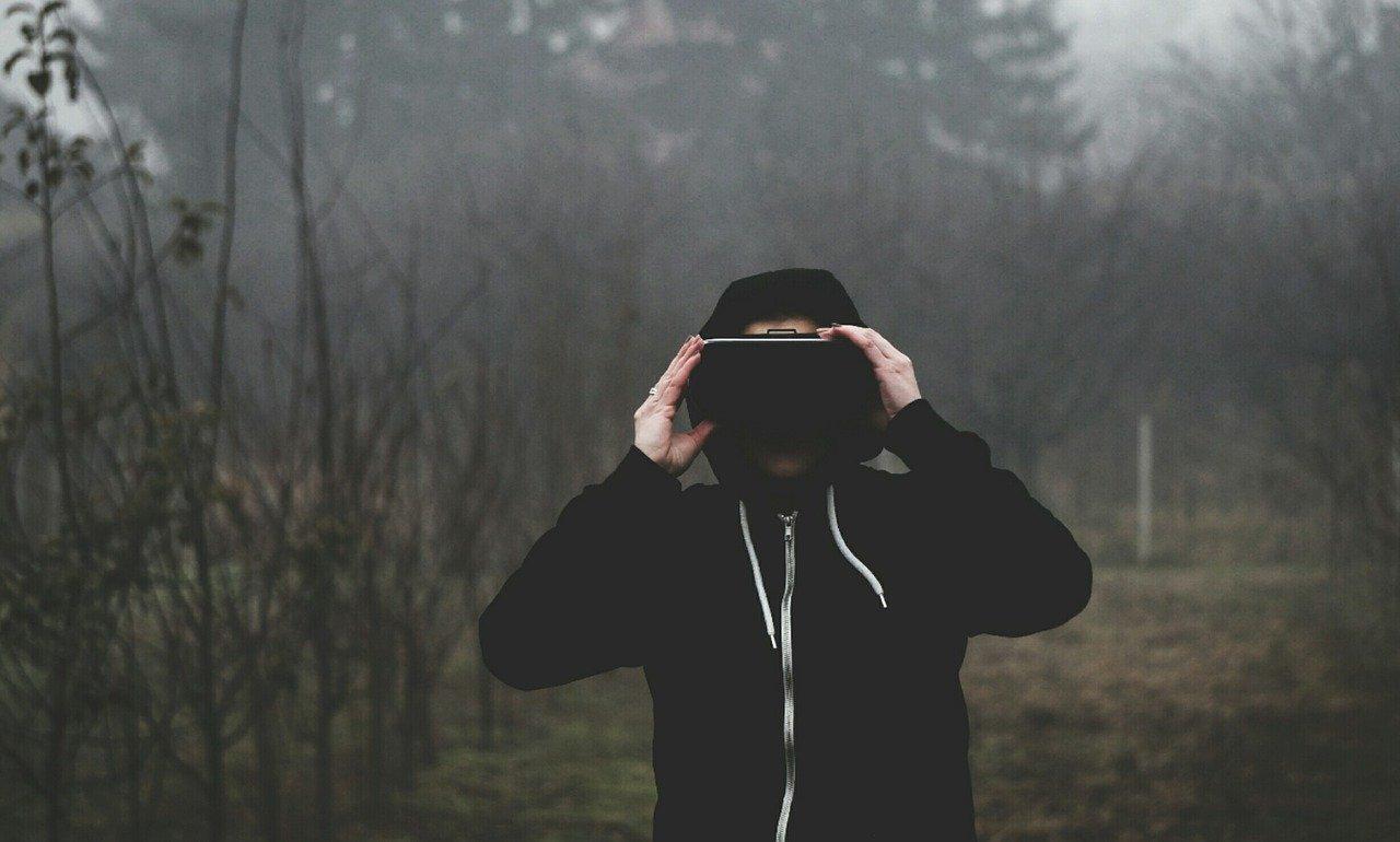 VRゴーグルをレンタルで手軽に楽しもう!料金や貸し出しサイトについても解説のサムネイル画像