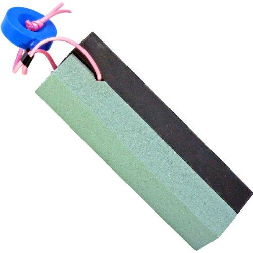 【最新】おすすめの草刈鎌12選|選び方のポイントや使用時の注意点ものサムネイル画像