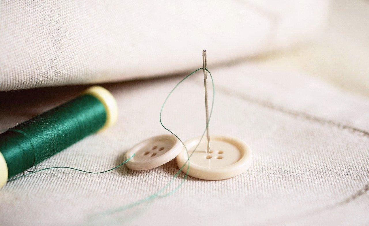 ミシン針の付け方が知りたい!交換時の注意点を詳しく解説のサムネイル画像